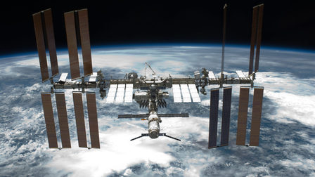 M15-132_space_station_thumb_main